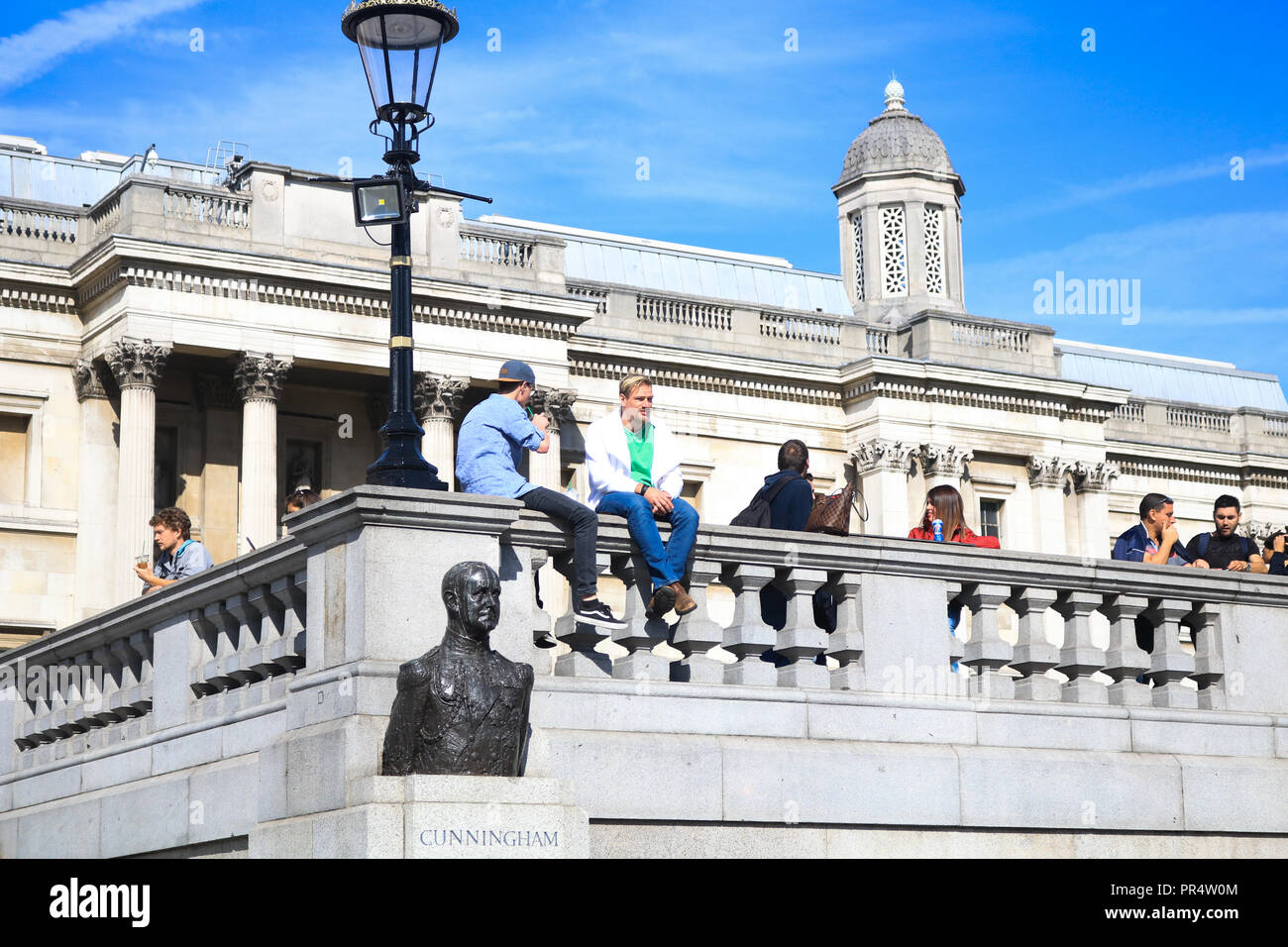 London, UK. 29th Sep, 2018. Tourists and sightseeers enjoy the beautiful autumn sunshine in Trafalgar Square on a warm day in the capital Credit: amer ghazzal/Alamy Live News Stock Photo