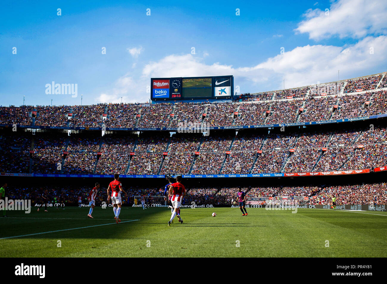 Camp Nou, Barcelona, Spain. 29th Sep, 2018. La Liga football, Barcelona versus Athletic Bilbao; Panoramic view of the Camp Nou stadium during the game Credit: Action Plus Sports/Alamy Live News Stock Photo