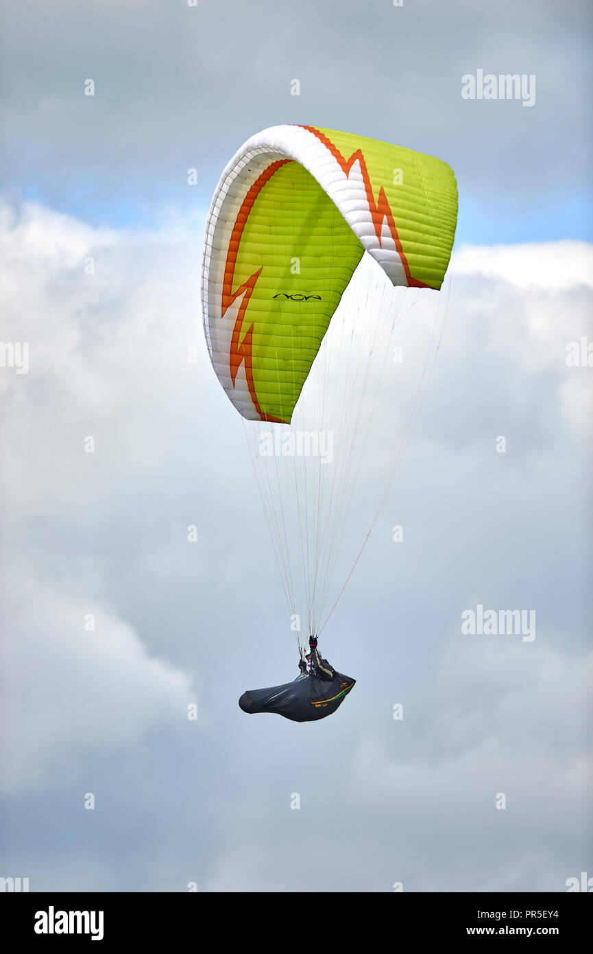 Paraglider near Dunstable Downs, Bedfordshire, England - Stock Image