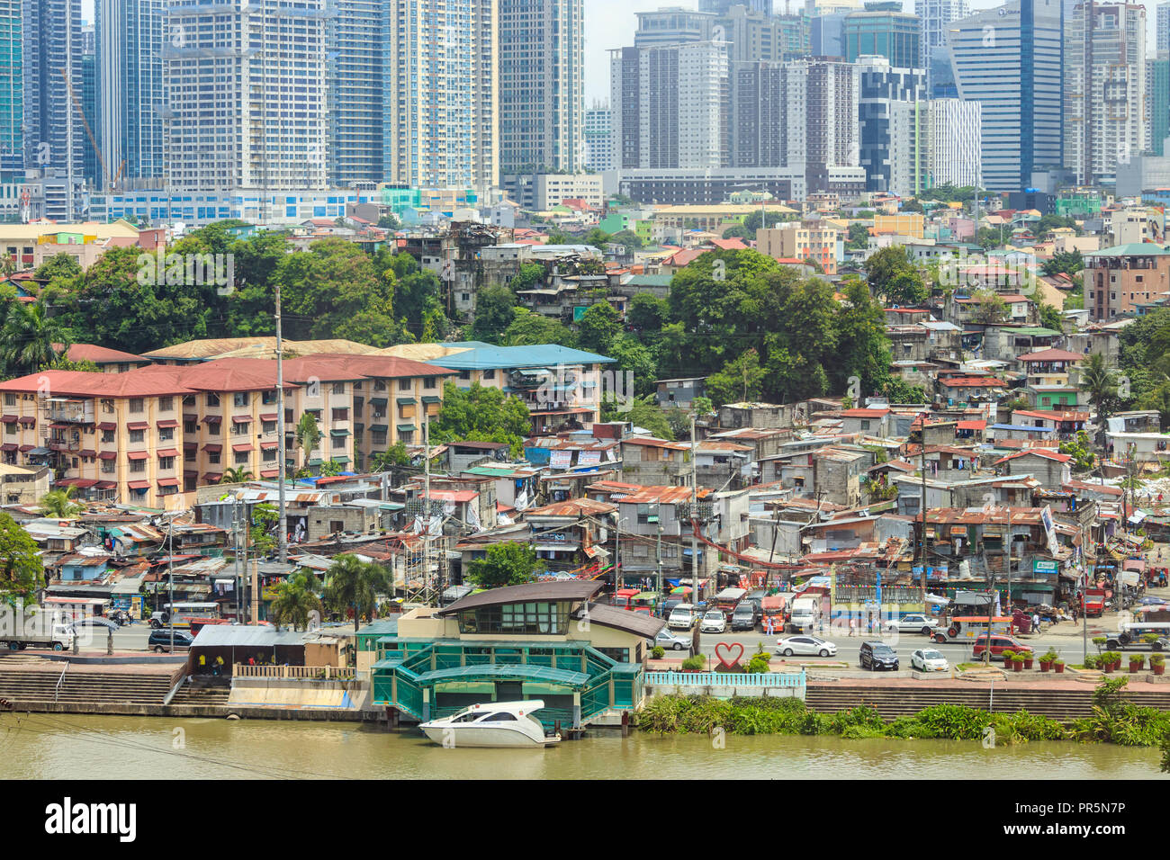 Mandaluyong, Philippines - July 3o, 2018: View Of Houses and buildings - Stock Image