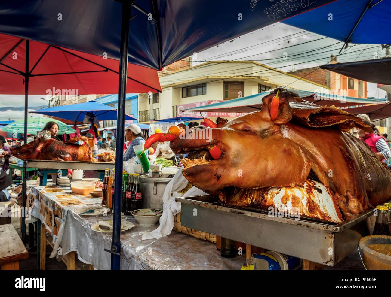 Saturday Food Market, Plaza de los Ponchos, Otavalo, Imbabura Province, Ecuador - Stock Image