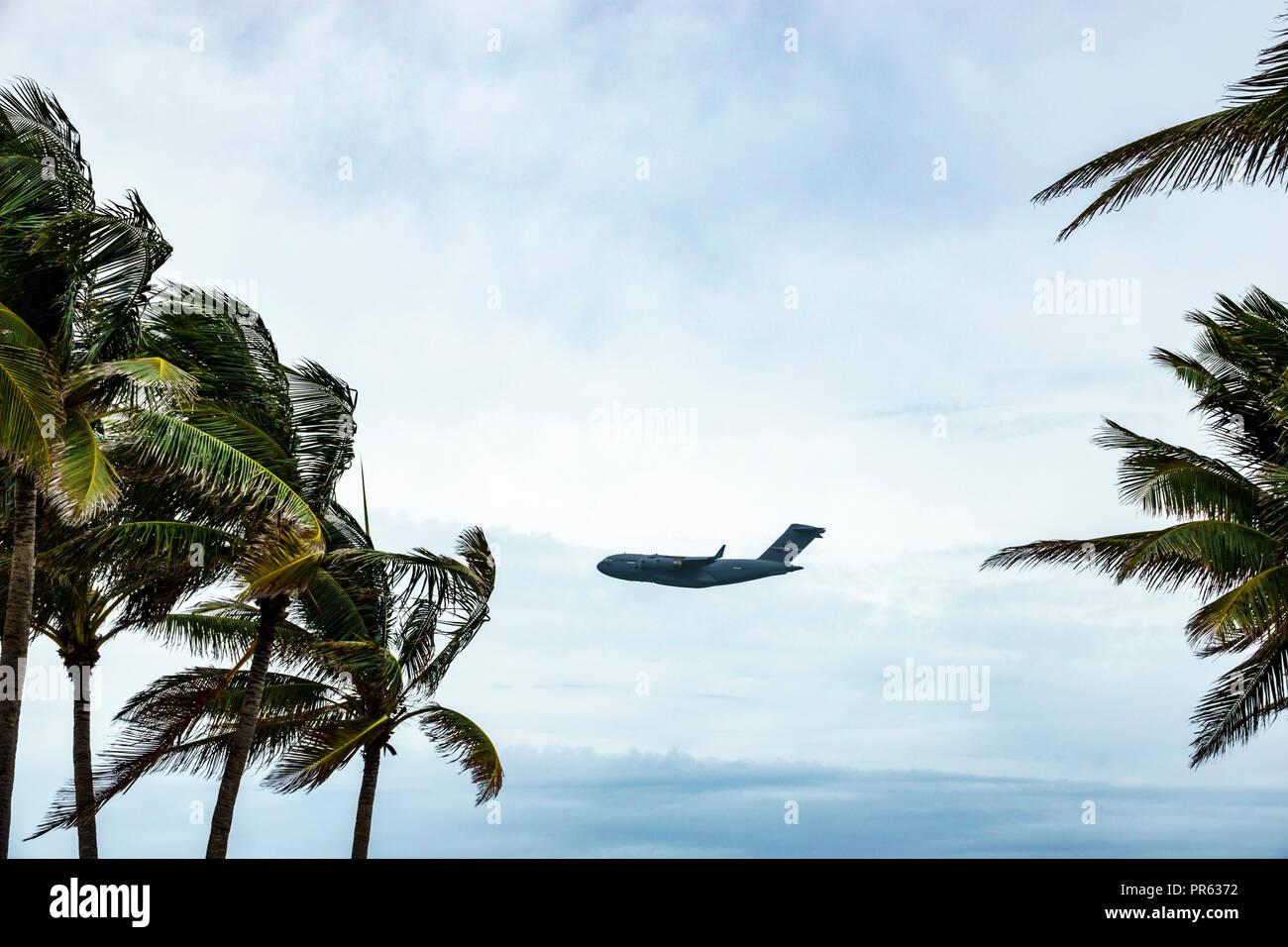 Miami Beach Florida National Salute to America's Heroes Air & Sea Show military transport aircraft Boeing C-17 Globemaster III - Stock Image