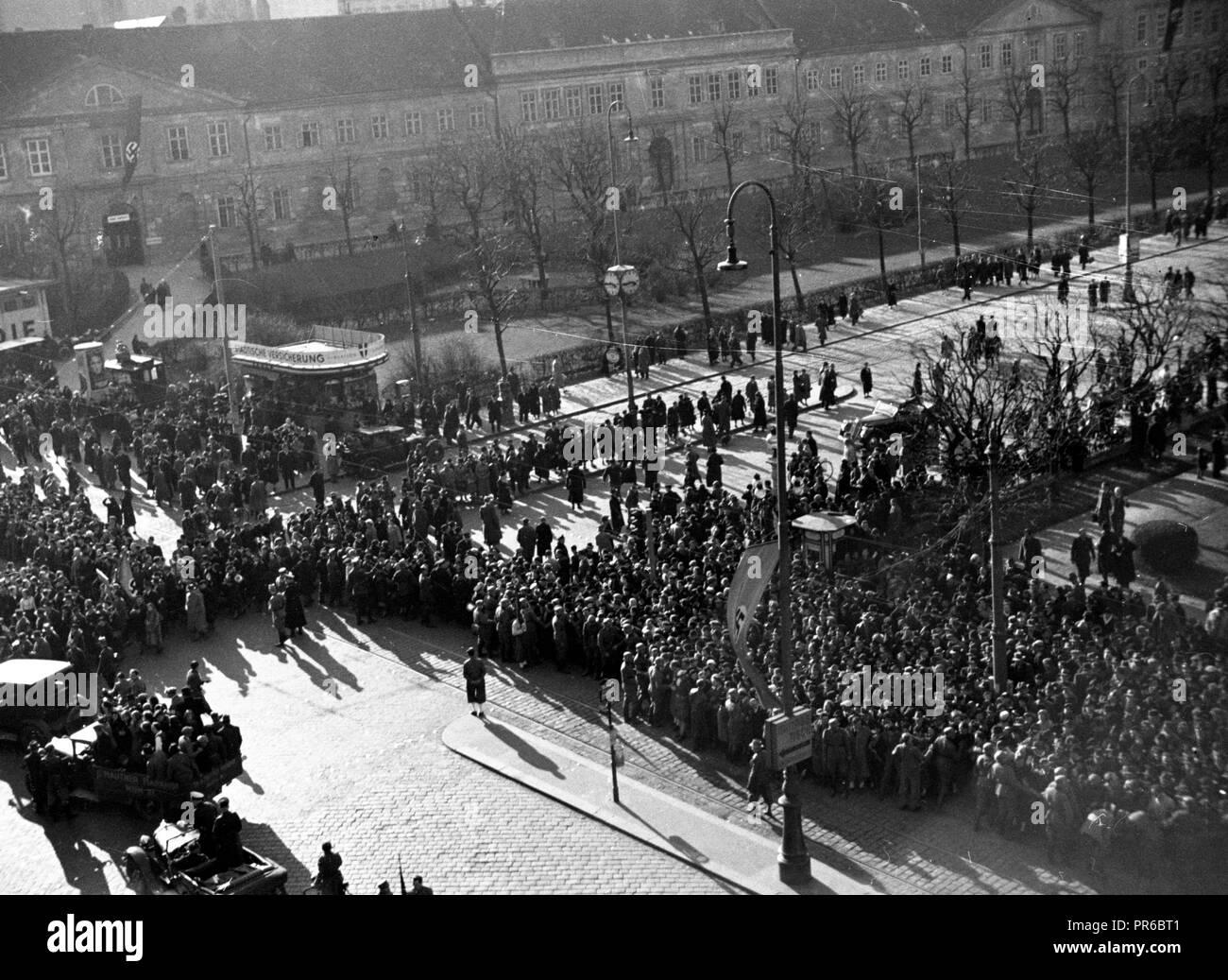 Anschluss Österreich 1938 an das Dritte Reich / Connection Austria 1938 to the Third Reich Stock Photo