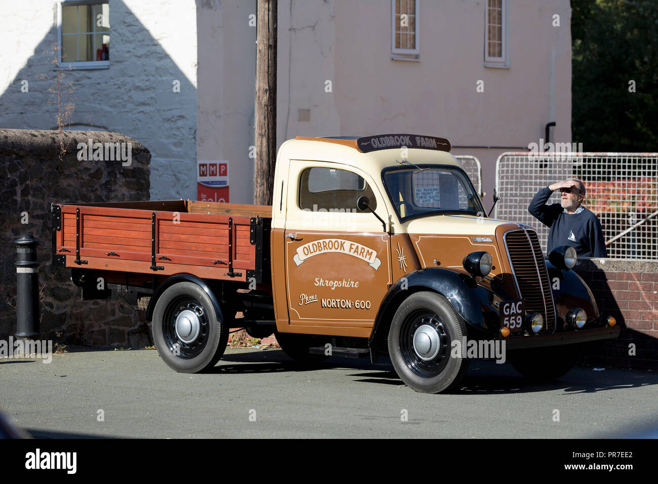 Vintage Pick Up Truck High Resolution Stock Photography And Images Alamy