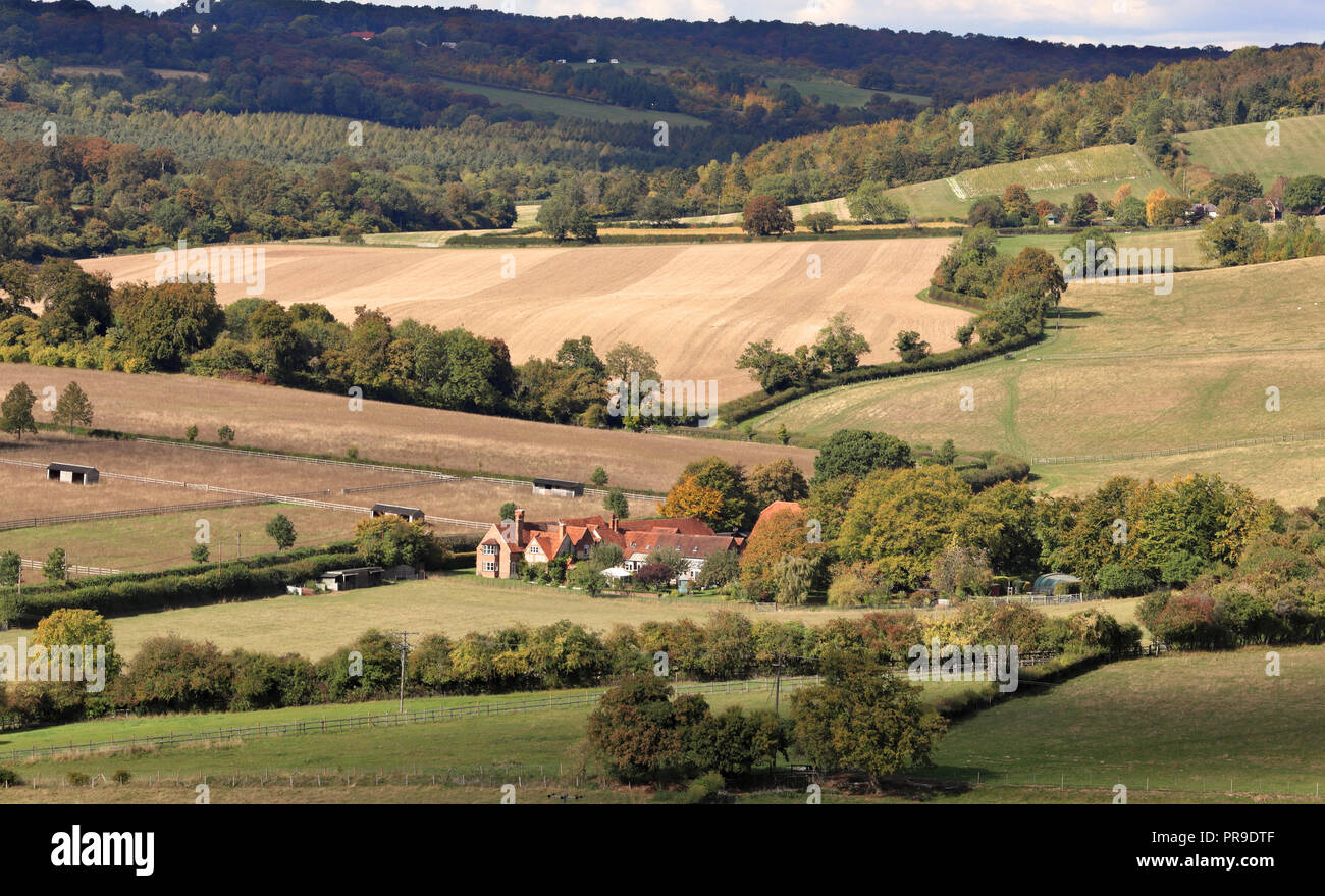English Landscape in the Hambleden Valley in the Chiltern Hills with farmhouse - Stock Image