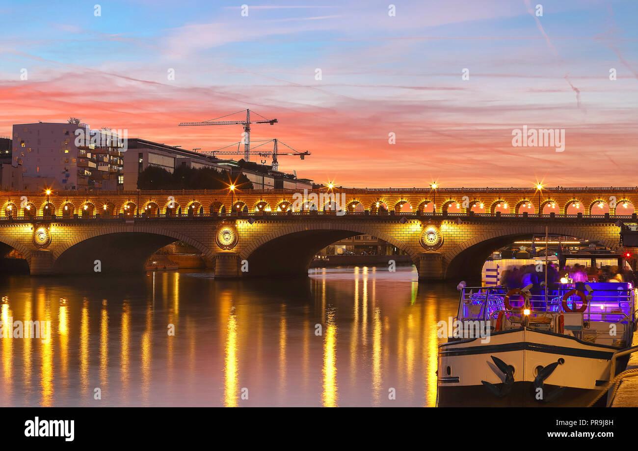 The Bercy bridge at night, Paris, France - Stock Image