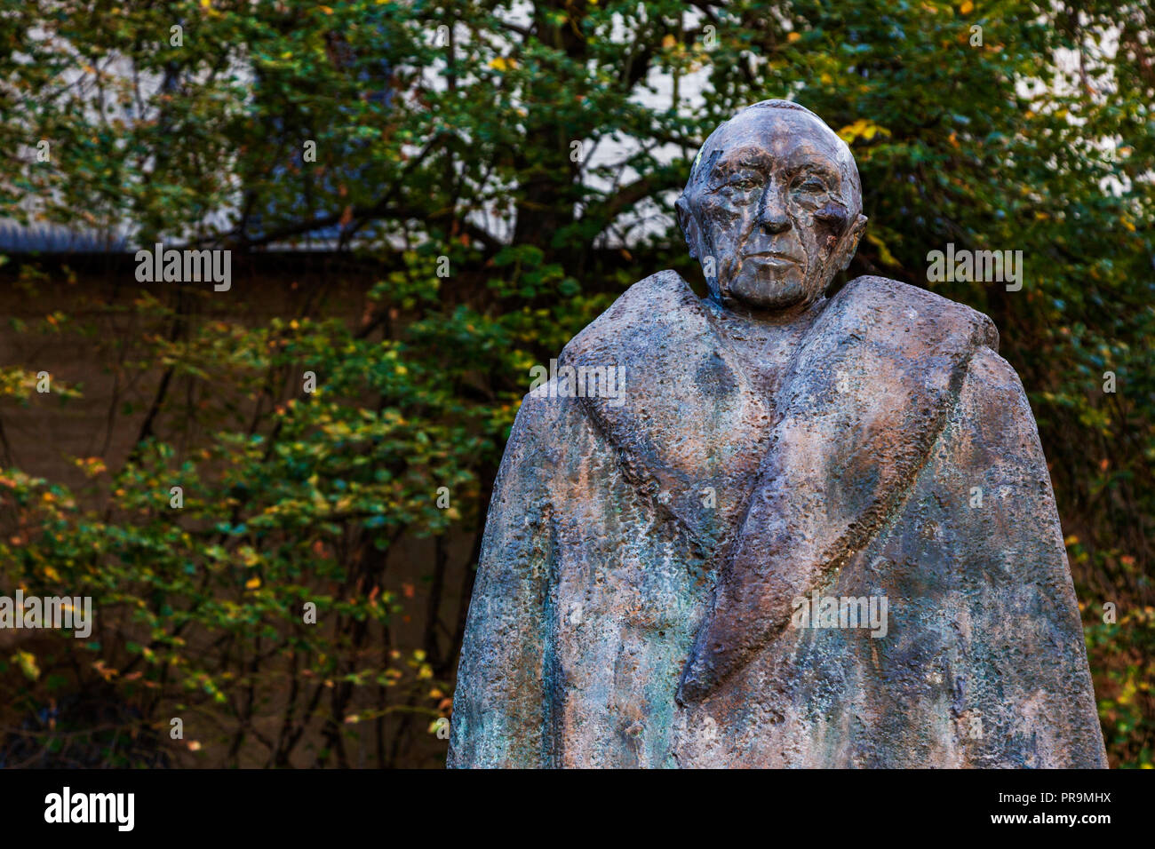 Bronze of former Federal Chancellor Konrad Adenauer by Karl Wimmer and Gerd Weiland, Cologne, North Rhine-Westphalia, Rhineland, Germany - Stock Image