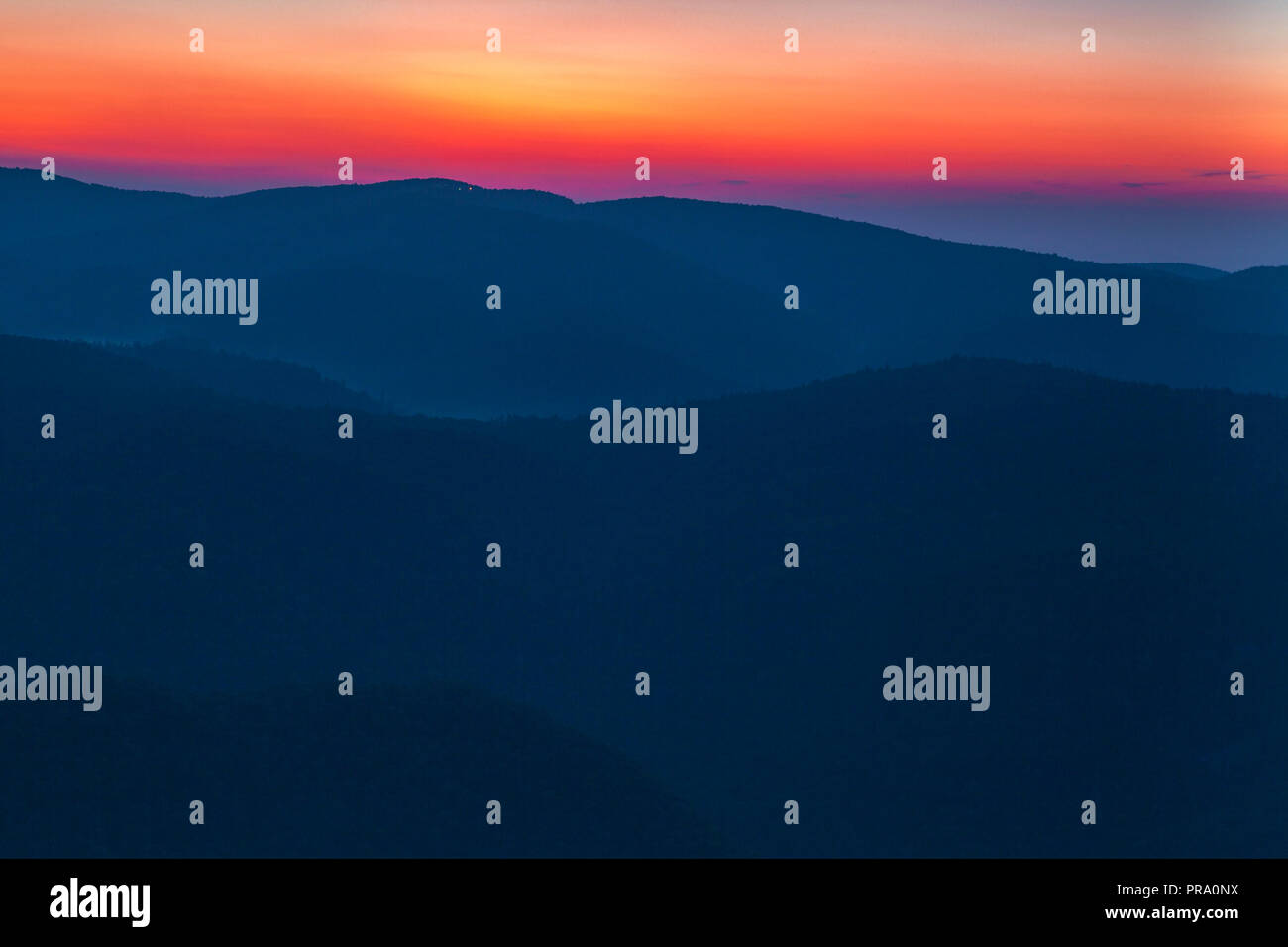 Morning mist over the Blue Ridge Mountains - Stock Image
