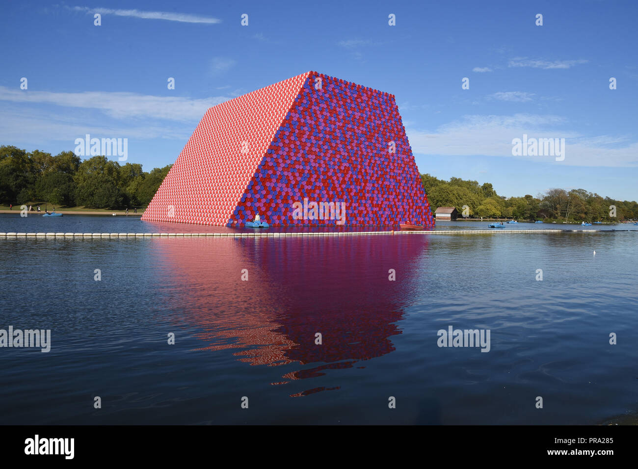 The London Mastaba,floating art installation by Christo,the Serpentine,Hyde Park,London.UK - Stock Image
