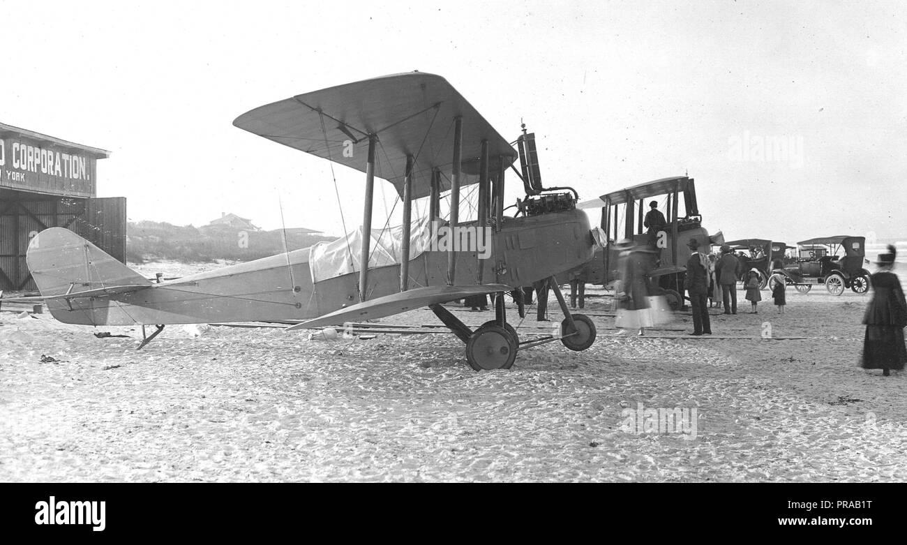 1917- 1922  Types of airplanes. Model J & H3, Standard Aero Corp, Elizabeth, N.J - Stock Image