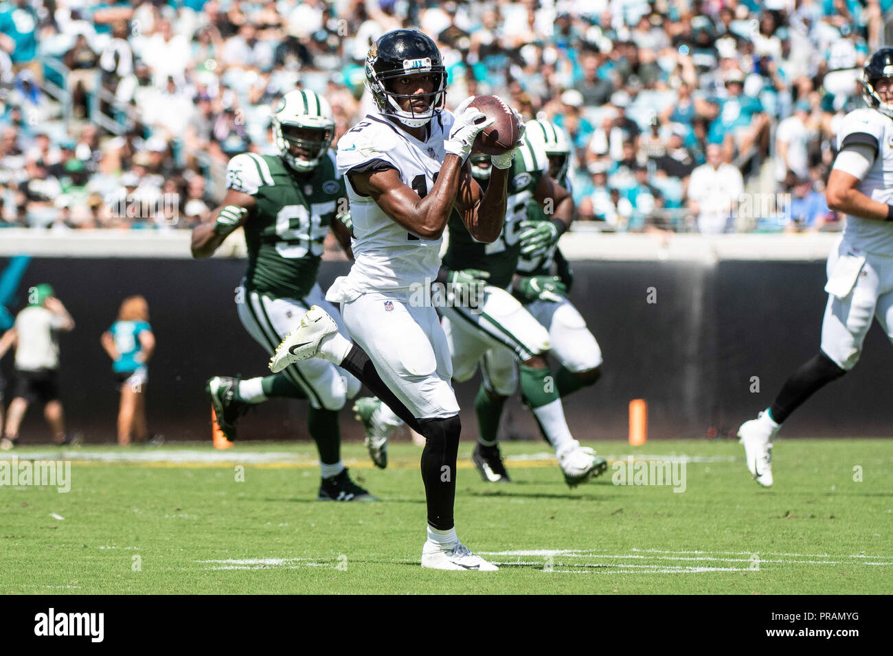 Jacksonville, FL, USA. 30th Sep, 2018. Jacksonville Jaguars Wide Receiver  Dede Westbrook (12) During 1st Half NFL Football Game Between The New York  Jets ...