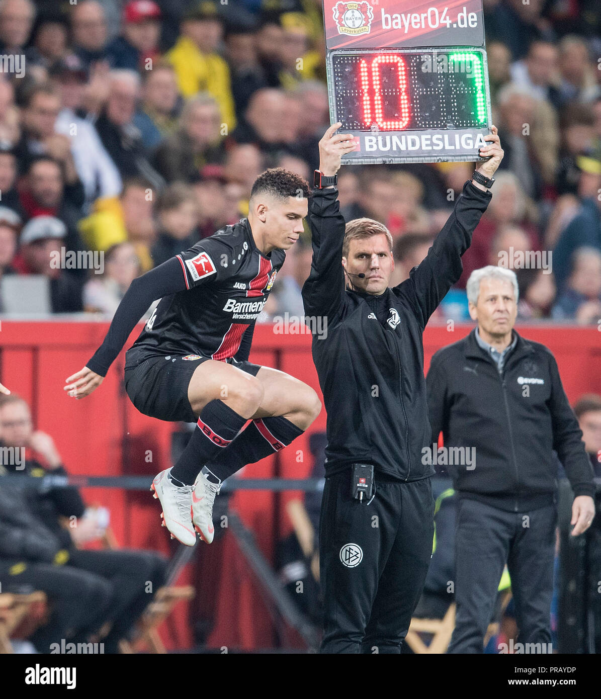Leverkusen, Deutschland. 29th Sep, 2018. Substitutions PAULINHO (LEV) jumps in the air, Soccer 1.Bundesliga, 6.matchday, Bayer 04 Leverkusen (LEV) - Borussia Dortmund (DO) 2: 4, on 29.09.2018 in Leverkusen/Germany. ## DFL regulations prohibit any use of photographs as image sequences and/or quasi-video ##   usage worldwide Credit: dpa/Alamy Live News - Stock Image