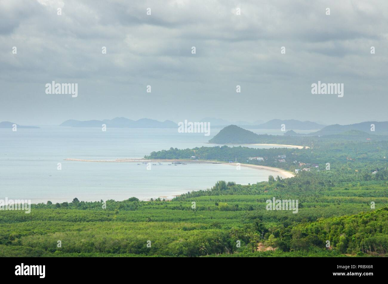 Bird-eye view on the sea coastline, bay, beaches and islands at the coast of the Gulf of Thailand at Pathio district of Chumphon province of Thailand. - Stock Image