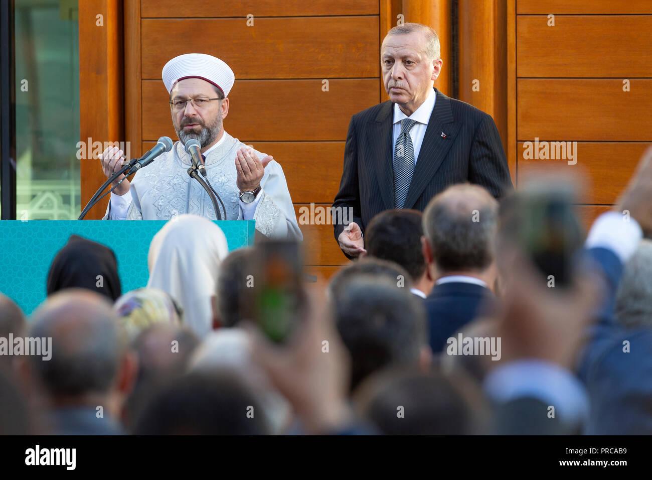 Die Ditib-Grossmoschee in Koeln-Ehrenfeld wurde am Samstagnachmittag (29.09.2018) im Beisein des tuerkischen Staatspraesidenten Recep Tayyip Erdogan m - Stock Image