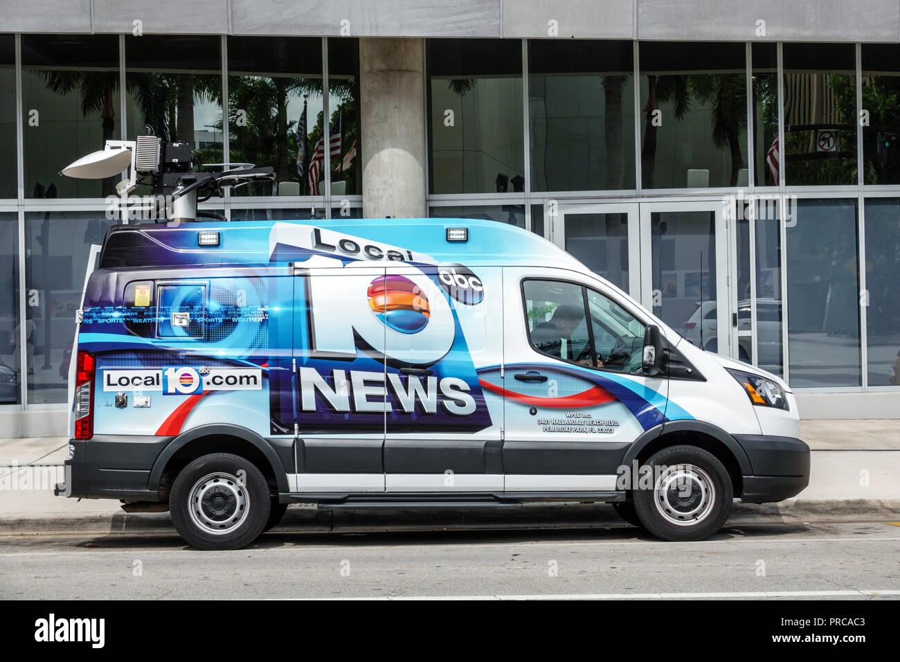 Mi Beach Florida Media Van Vehicle Satellite Dish Abc News Local Tv Station