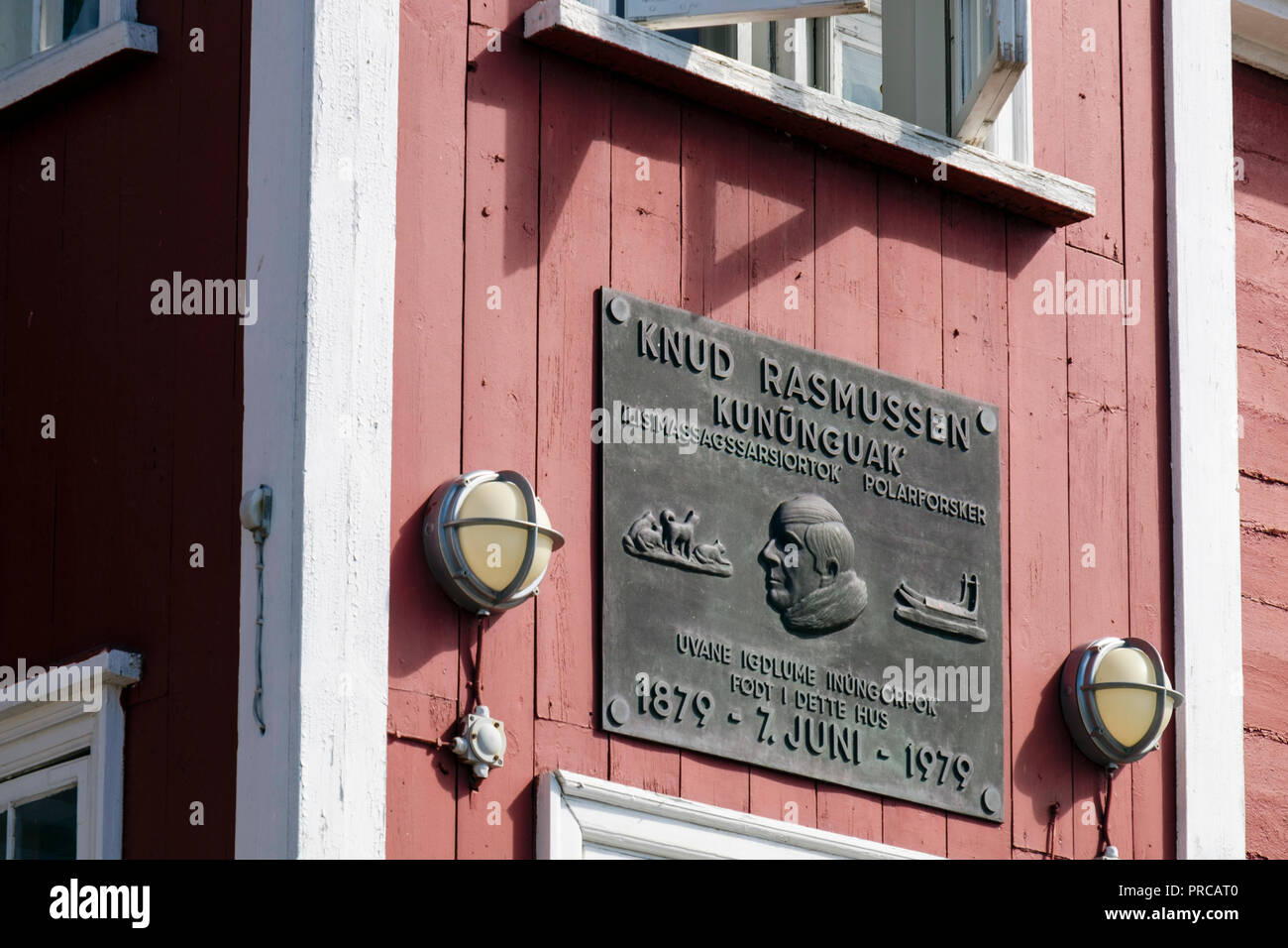 Plaque on Knud Rasmussen's 1879 - 1979 (polar explorer and anthropologist) birthplace. Ilulissat (Jakobshavn), Qaasuitsup, Greenland - Stock Image