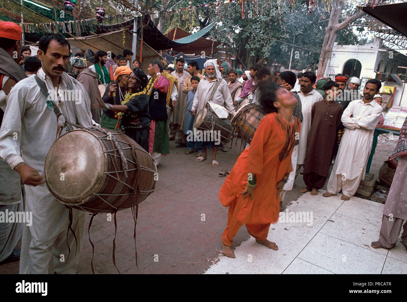 Woman in a trance in a sufi shrine ( Pakistan) - Stock Image