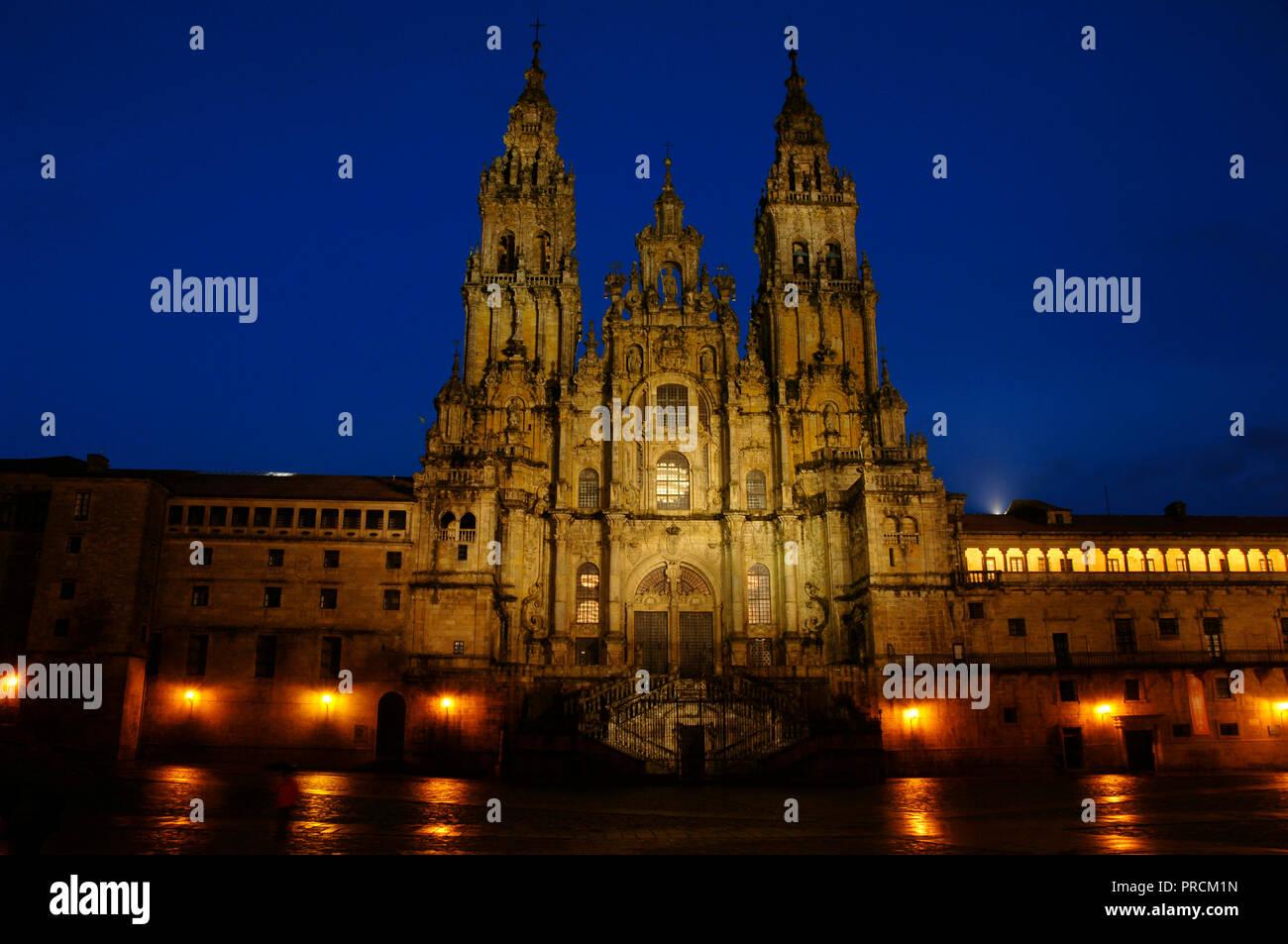 Santiago de Compostela, La Coruna province, Galicia, Spain. Cathedral. Nigth view of the Obradoiro facade. It was built in 18th century, in Baroque style, designed by Fernando de Casas Novoa (¿1670?-1750). Stock Photo