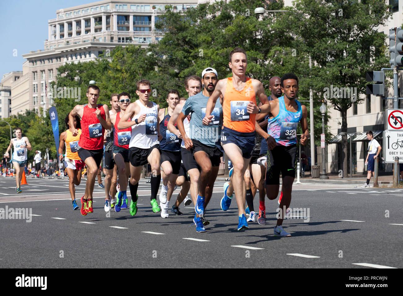 Race runners at Navy Mile - Washington, DC USA - Stock Image