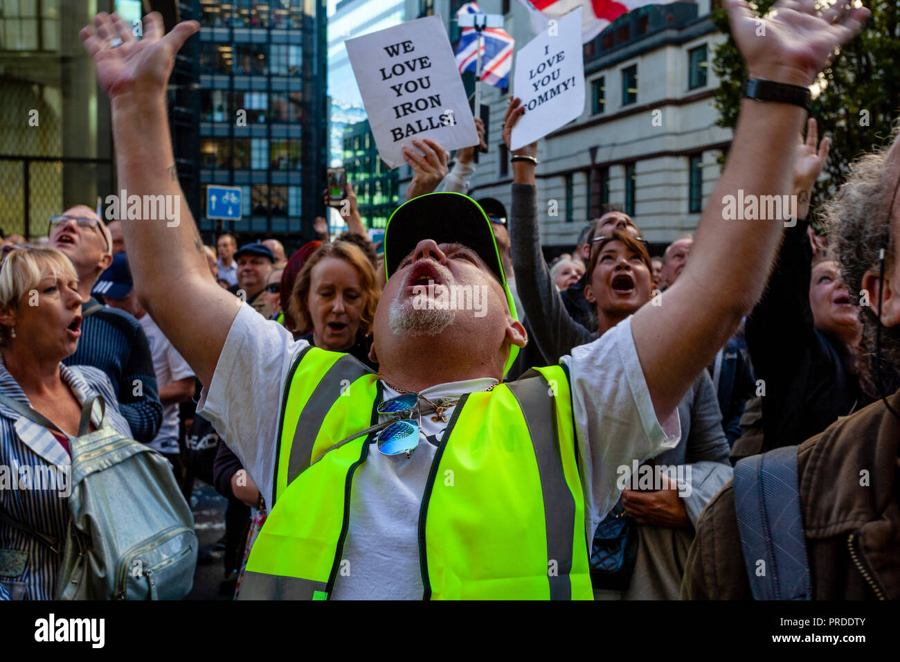 Supporters Of The Right Wing Activist Tommy Robinson Show Support Outside The Old Bailey As He Answers A Charge For Contempt Of Court, London, UK - Stock Image