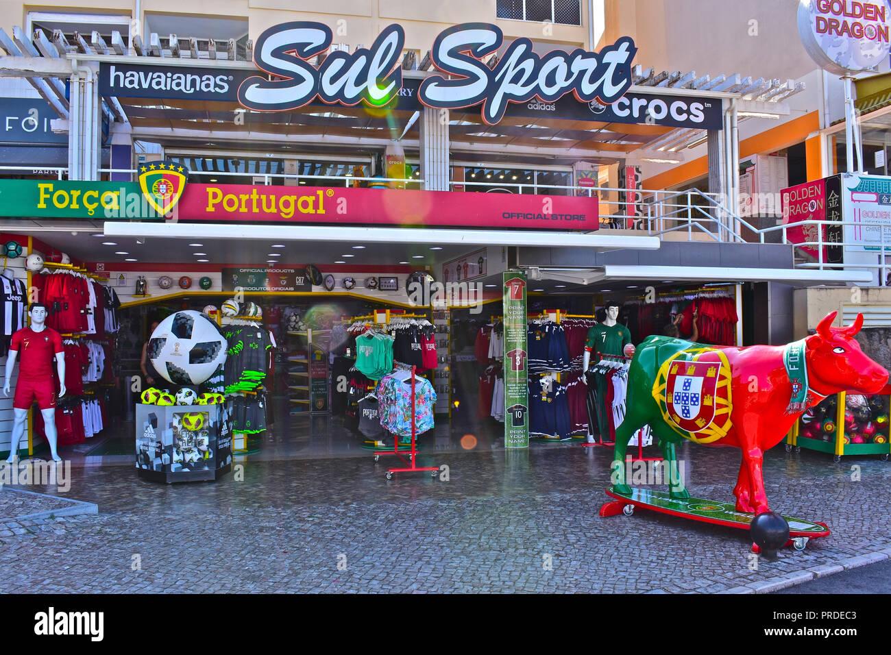 Crocs Shop Stock Photos Amp Crocs Shop Stock Images Alamy