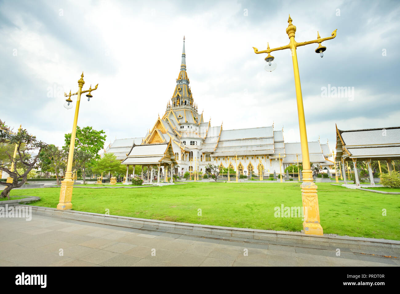 Gorgeous temple Wat Sothonwararam in Chachoengsao Province, Thailand. - Stock Image