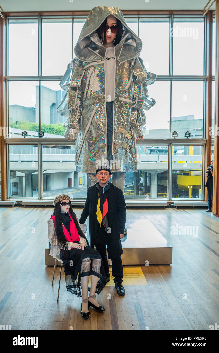 London Uk 2nd Oct 2018 Tim Yip And Little Lili The Muse For The Final Sculpture With Lili A Large Scale Art Installation Which Is Part Of Bafta And Academy Award Winner