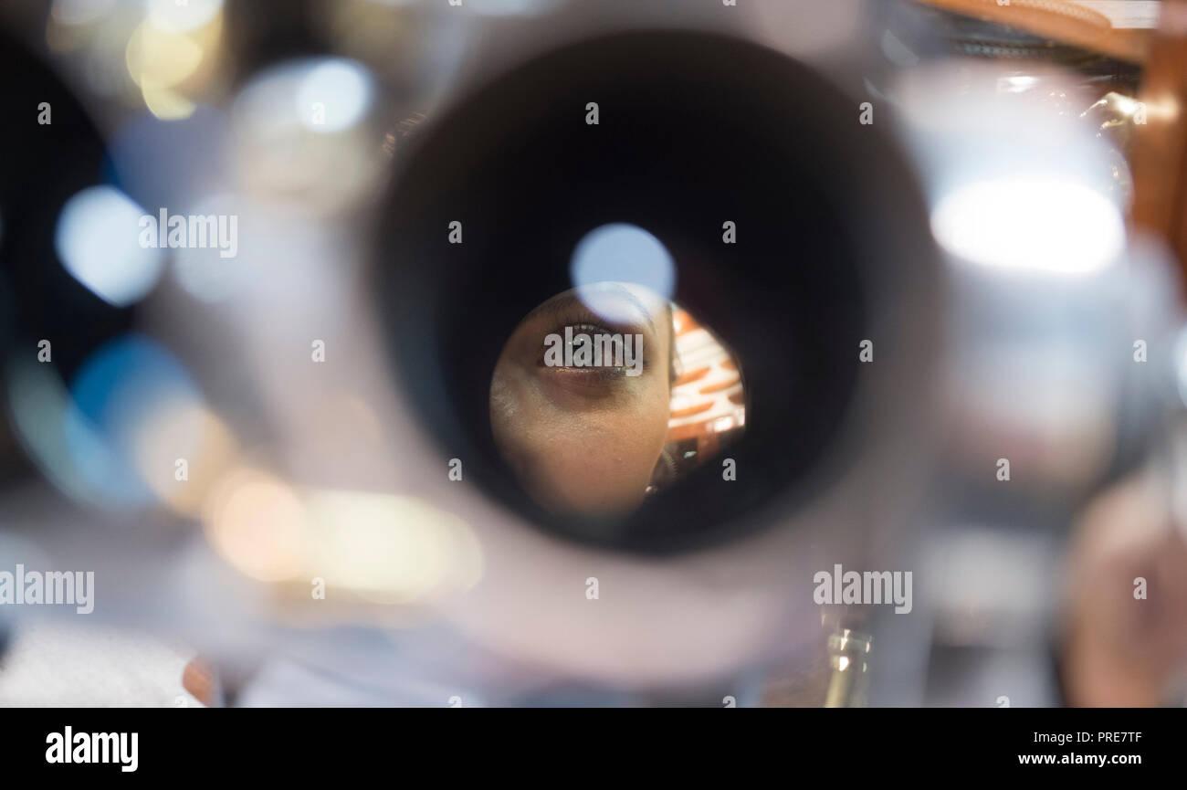 Dating binoculars