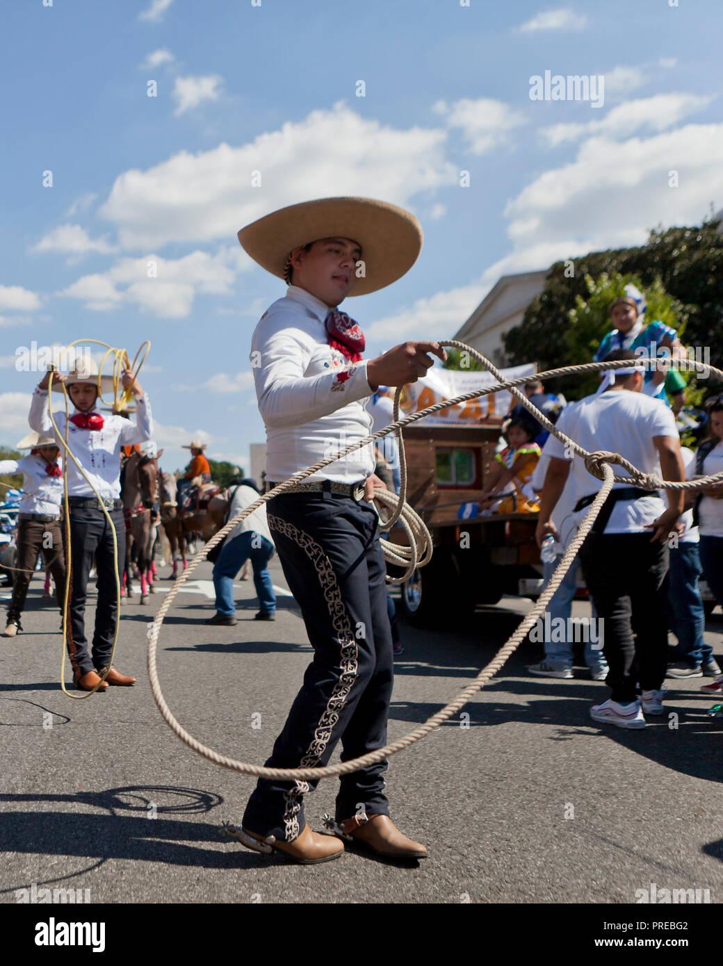 A Vaquero (Mexican cowboy) spinning a lasso - Stock Image