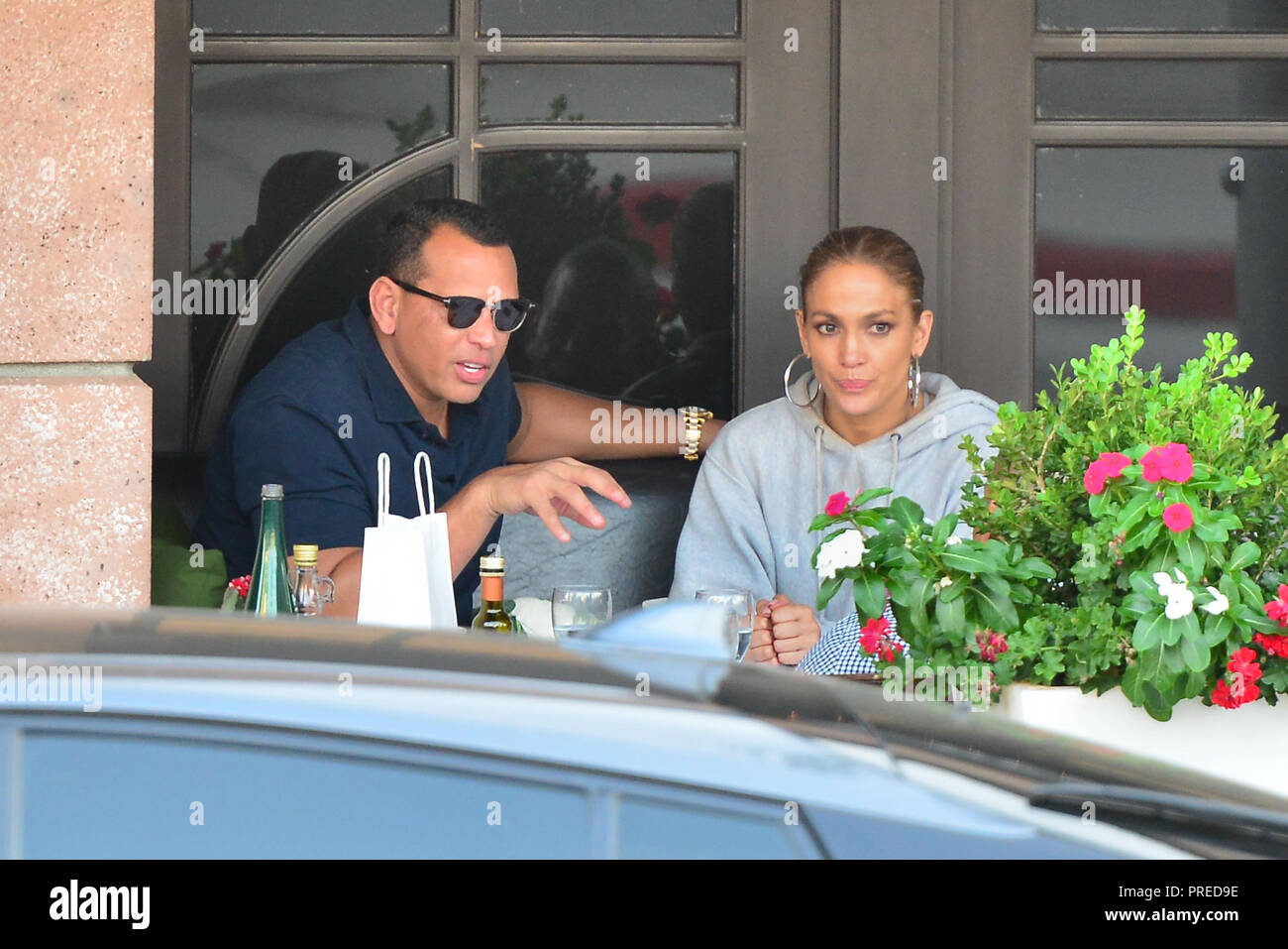 Jennifer Lopez And Alex Rodriguez Out For Lunch At Via