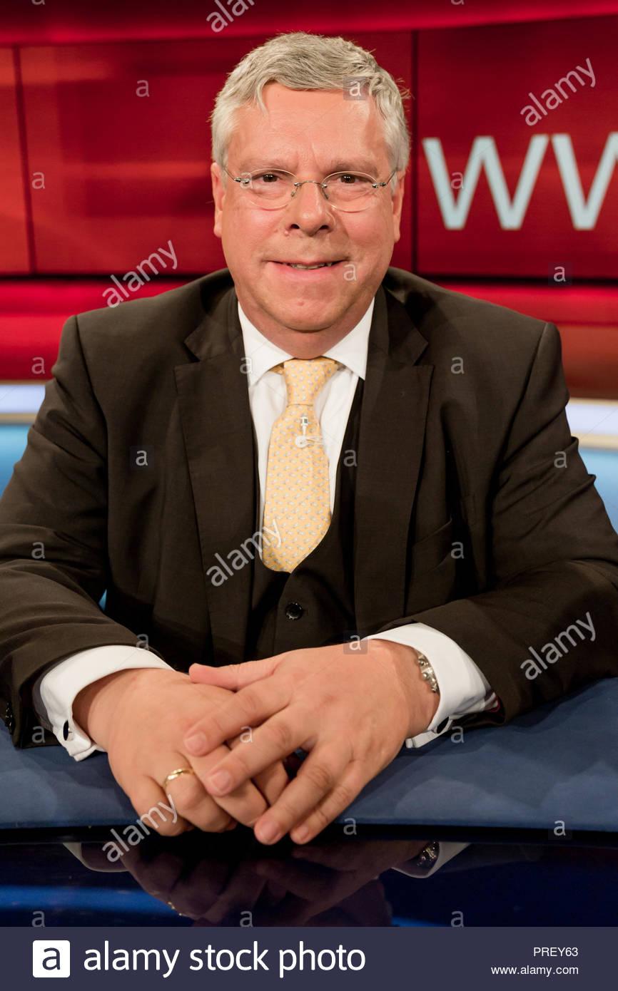 Jürgen Hardt, CDU, außenpolitischer Sprecher der CDU/CSU-Bundestagsfraktion und Mitglied im Fraktionsvorstand im Fernsehstudio bei Hart aber fair. - Stock Image