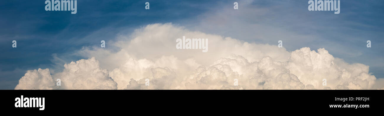 High resolution panorama of cloudy sky - Stock Image