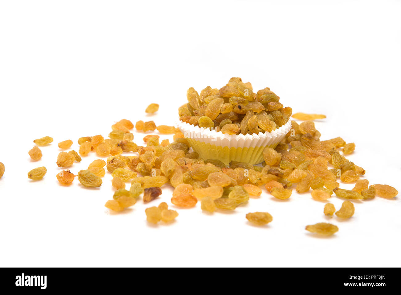 Close Up Of Golden Raisins Or Kishmish In A Bowl On Wooden Surface ... | 956x1300