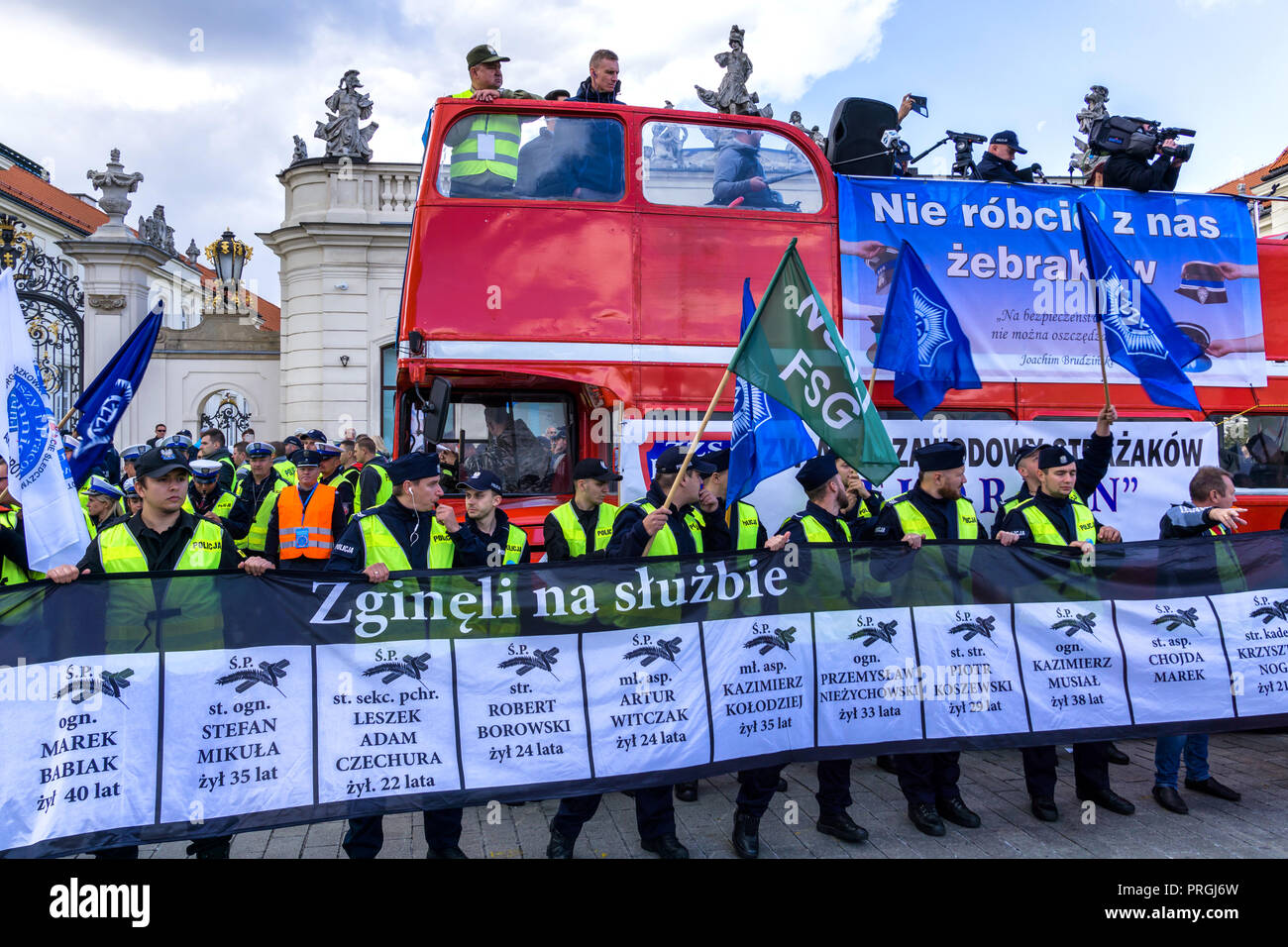 Warsaw, Poland, 2nd Oct, 2018: 30,000 firefighters and members of the Police, Prison Guard and Border Guard protest on streets of the Polish capital against bad working conditions and low pay. Credit: dario photography/Alamy Live News. - Stock Image