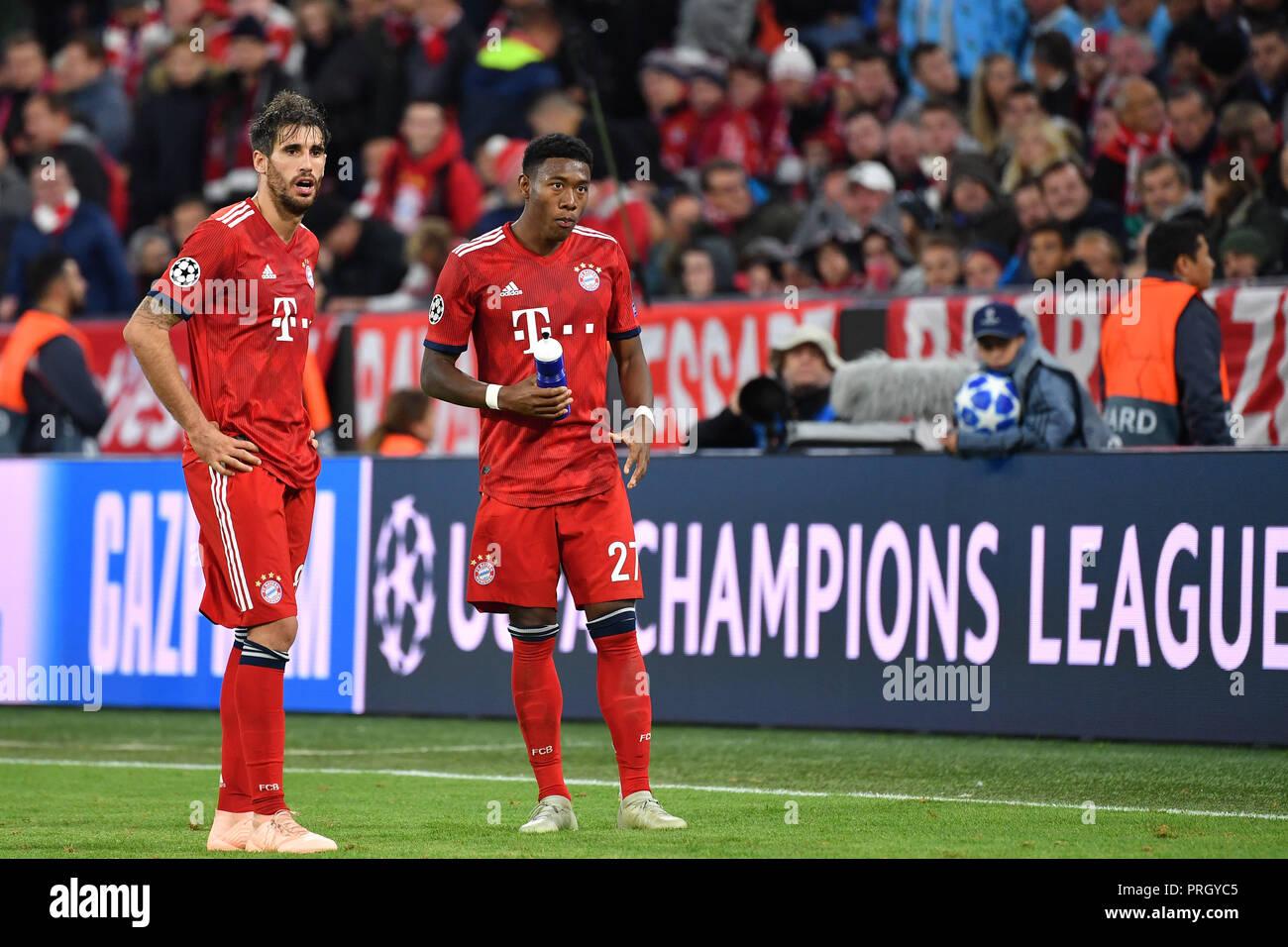 v.li: Javi (Javier) MARTINEZ (Bayern Munich), David ALABA (FC Bayern  Munich), action. FC Bayern Munich-Ajax Amsterdam 1-1, Soccer Champions  League, Group E, ...