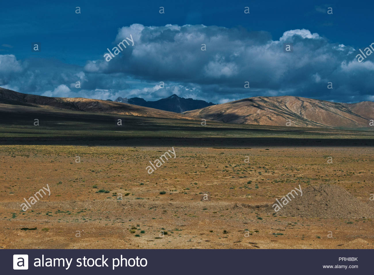Beautiful view of More plains on Leh Manali Highway. - Stock Image