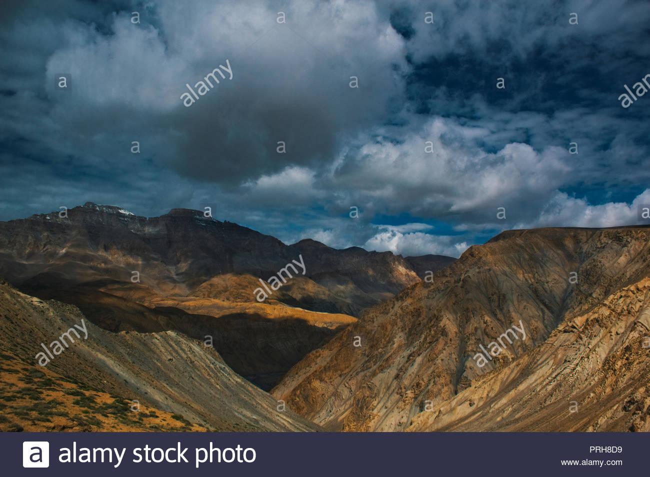 High altitude mountains of Himalayas near Pang on Leh Manali Highway. - Stock Image