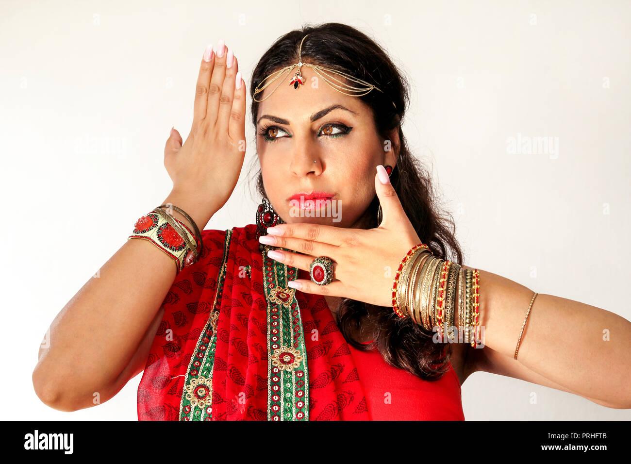Saree Girl Stock Photos Saree Girl Stock Images Alamy