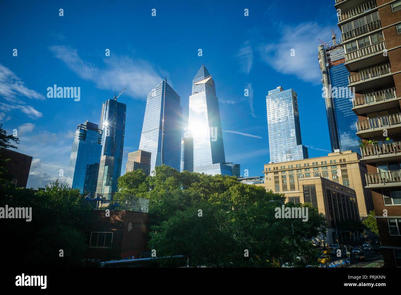10 Hudson Yards, center left, 30 Hudson Yards, center right, and other development around Hudson Yards in New York on Wednesday, September 26, 2018. (© Richard B. Levine) Stock Photo