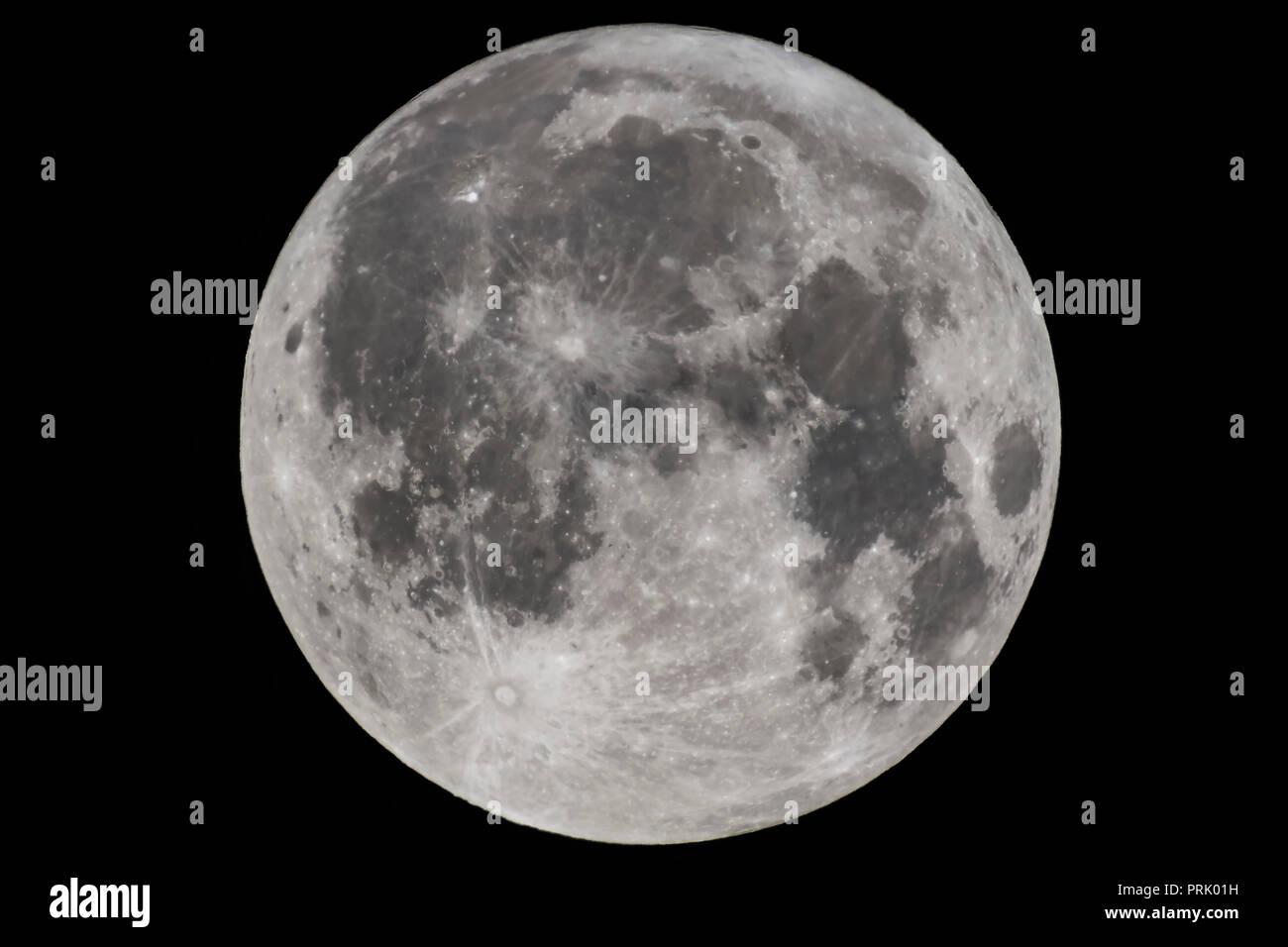 the full moon of september 5 2017 the harvest moon as shot
