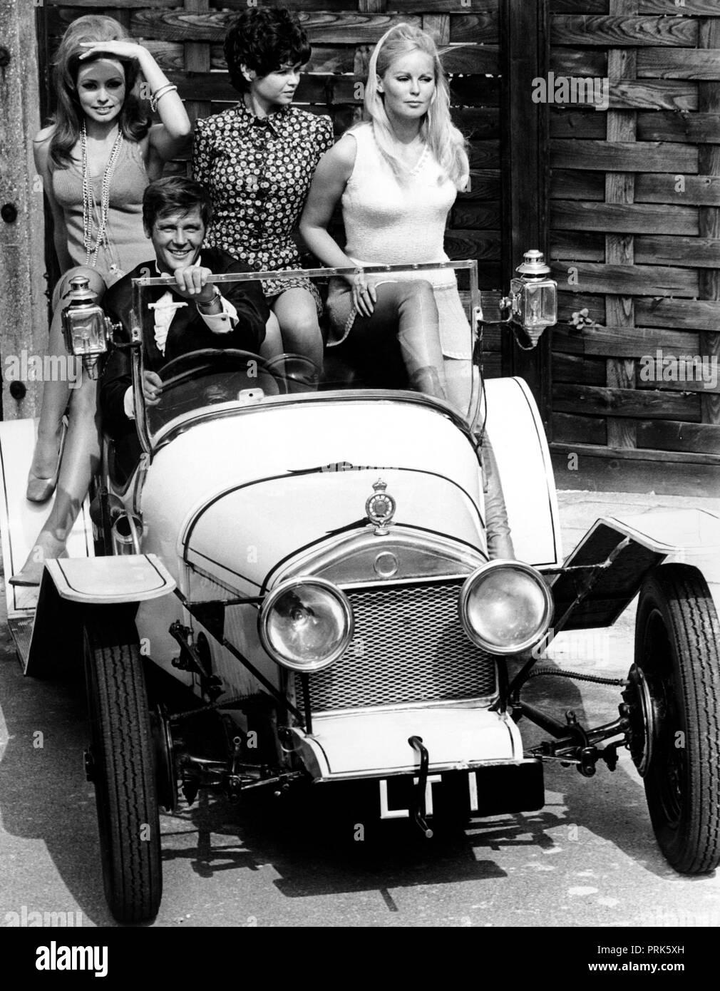 claudie lange, martha hyer, veronica carlson, roger moore, crossplot, 1968 - Stock Image