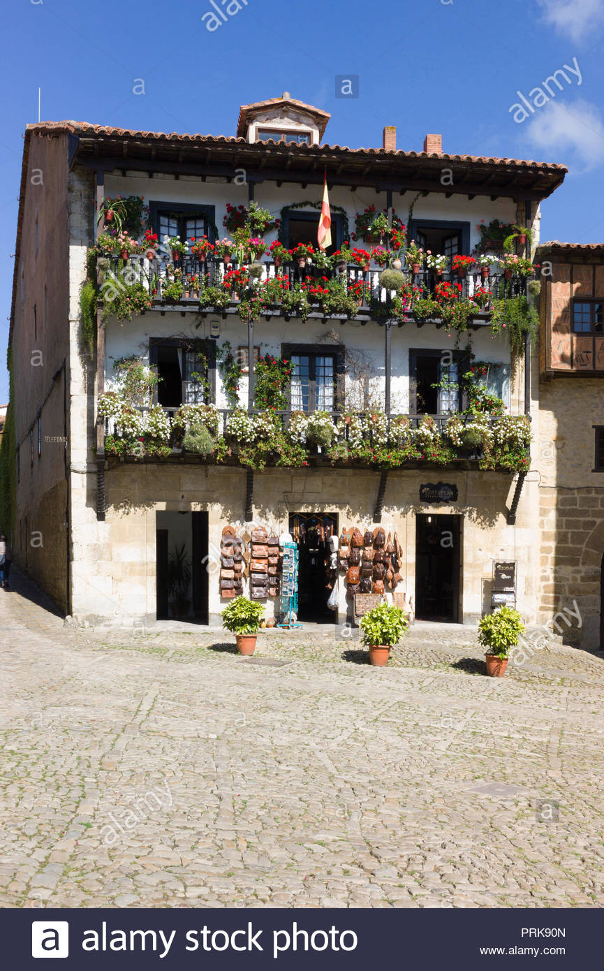 Medieval three-storey house and gift shop in the medieval town of Santillana del Mar, Cantabria, Northern Spain. Stock Photo