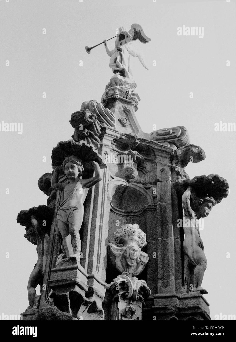 Fuente De La Fama 1731 Estilo Churrigueresco Fotografia En