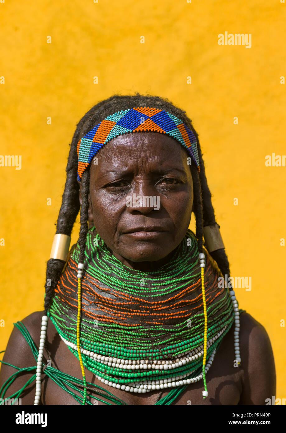 Portrait of a Mungambue tribe woman portrait, Huila Province, Chibia, Angola Stock Photo