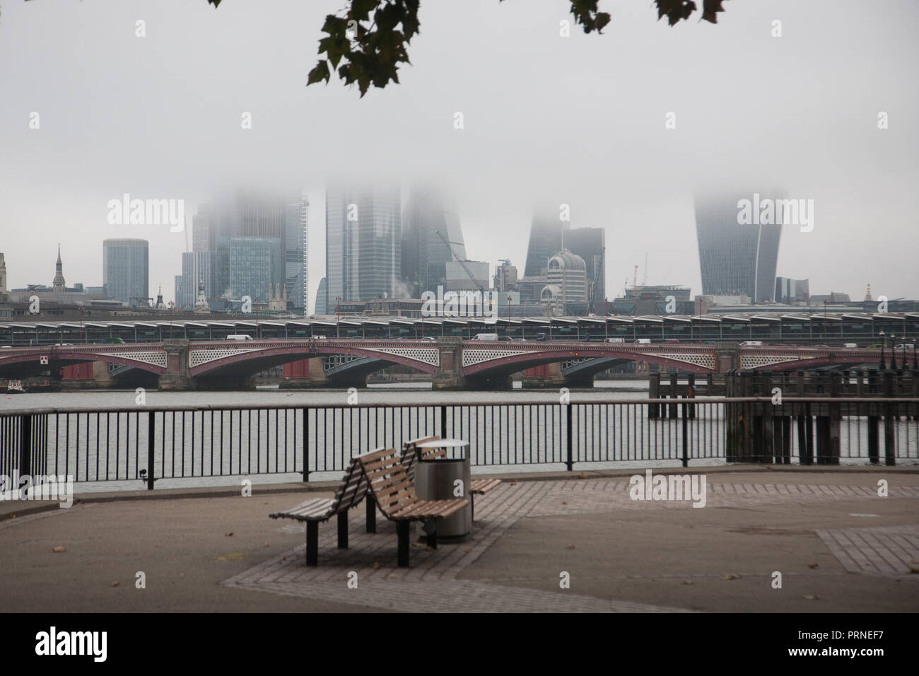 London UK. 4th October 2018.London skyline and financial district buildings are covered in thick morning fog Credit: amer ghazzal/Alamy Live News Stock Photo