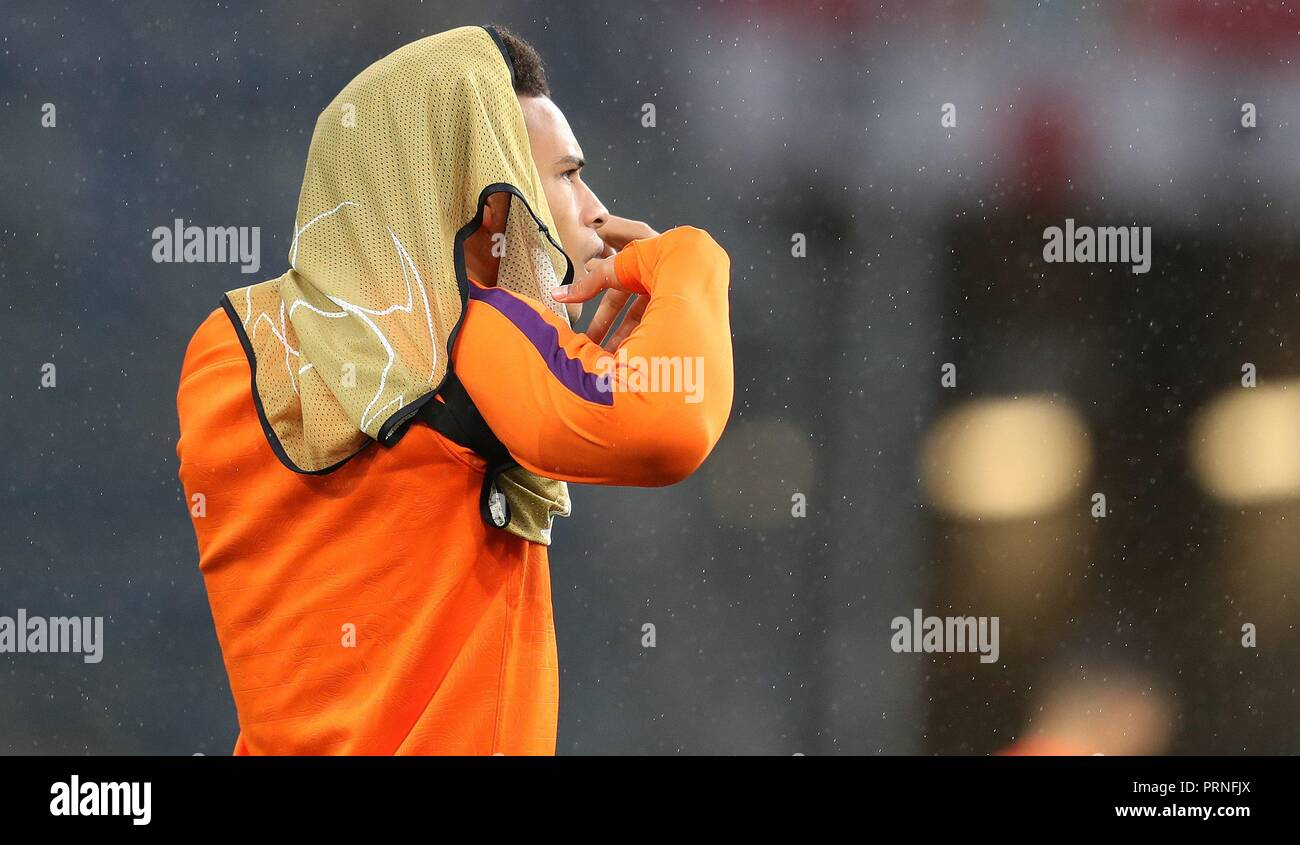 firo: 02.10.2018 Football, Football, Champions League: TSG Hoffenheim - Manchester City 1: 2 Training, Trainingsleibchen, Joke, Humor, Leroy Sane,   usage worldwide - Stock Image