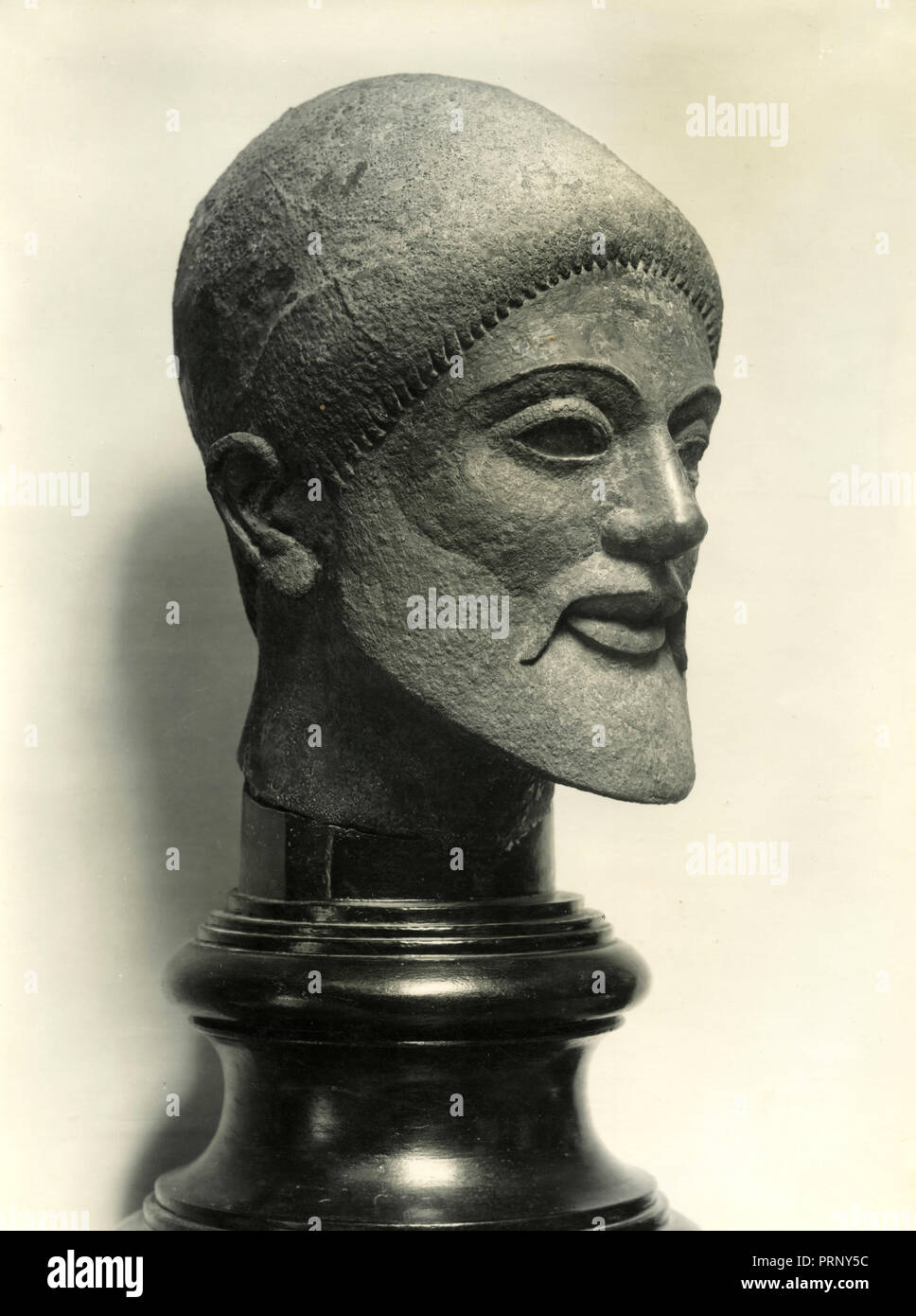Archaic marble head of man, Greece 1930s - Stock Image