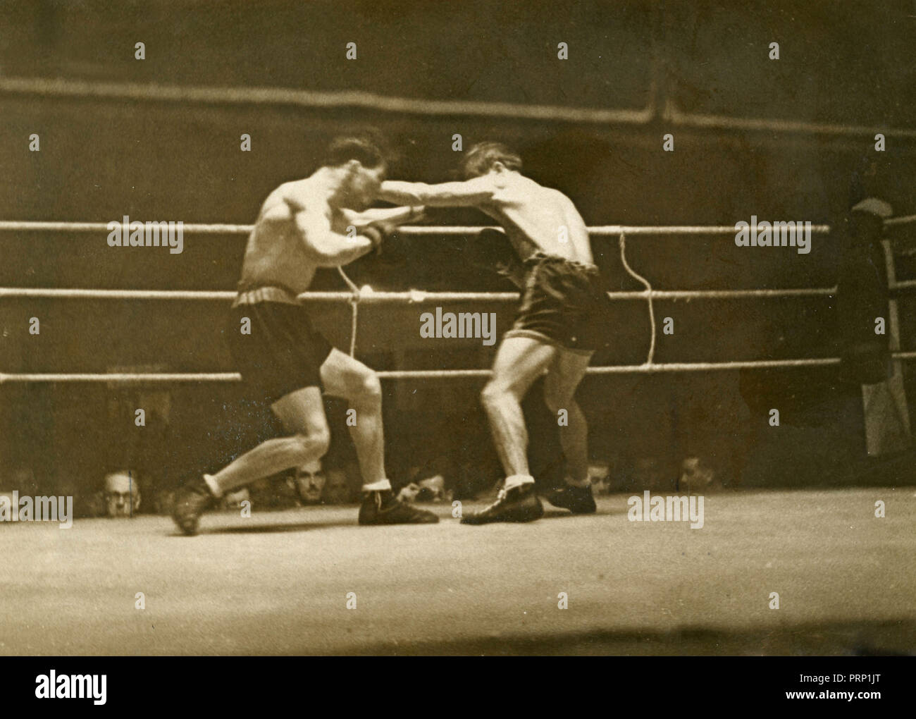 Boxing match between Gustavo Ansini and Hans Schiller, Berlin, Germany 1937 - Stock Image