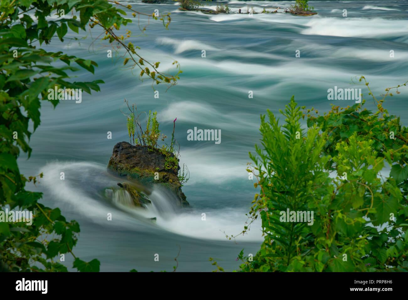 Flowing Blurry Water, Niagara River, New York USA - Stock Image