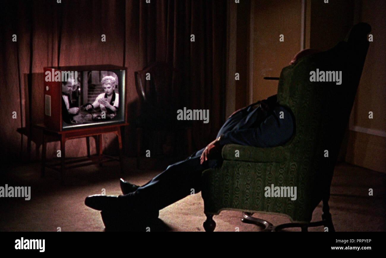 Prod DB © Memorial Enterprises / DR GUMSHOE de Stephen Frears 1971 GB regarder la tele, poste de television, watching TV - Stock Image